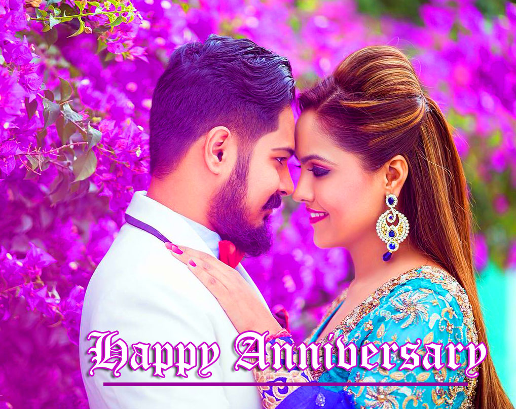 Romantic Couple with Happpy Anniversary Wishing