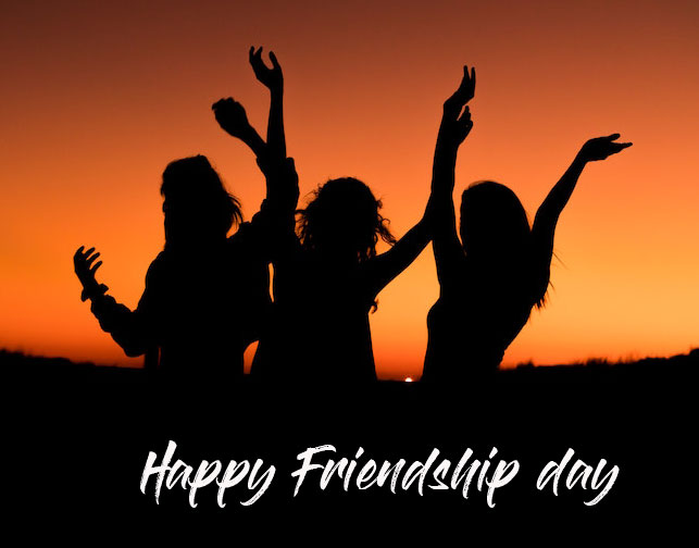 Girl Friends with Happy Friendship Day Wish