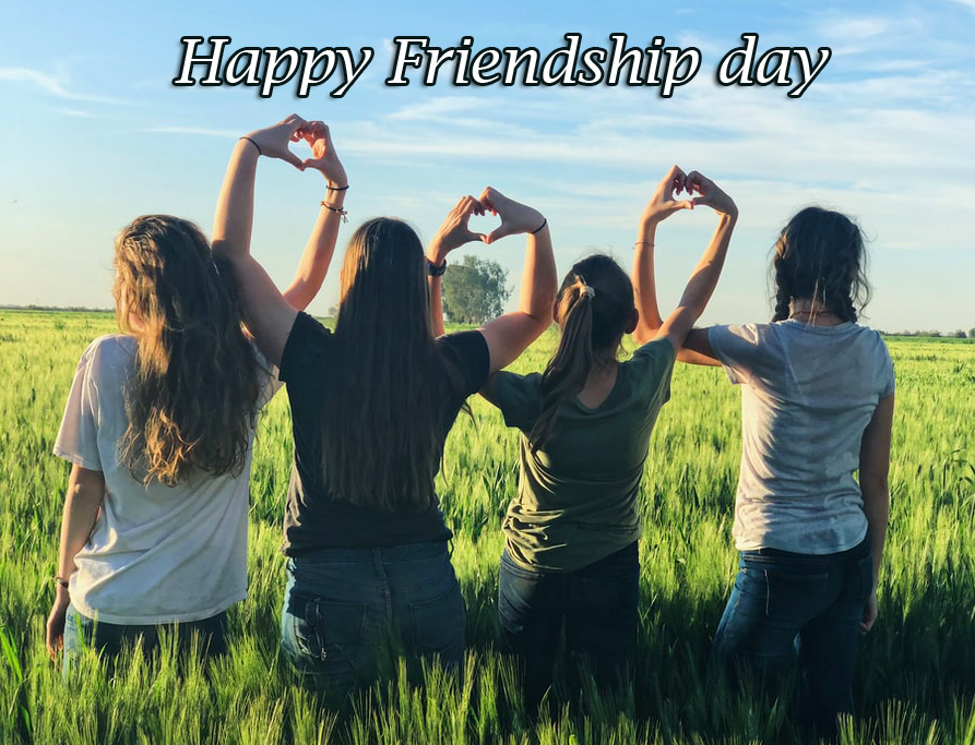Happy Friendship Day with Cute Friends Pic